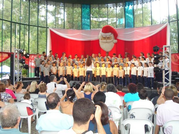 Este ano foram criados 36 coros beneficiando 1200 alunos  (Foto: Bruno Rodrigues / G1)