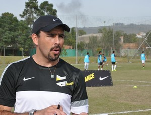 Roberto Salas  o olheiro da Nike que escolhe os talentos da peneira (Daniel Cardoso)