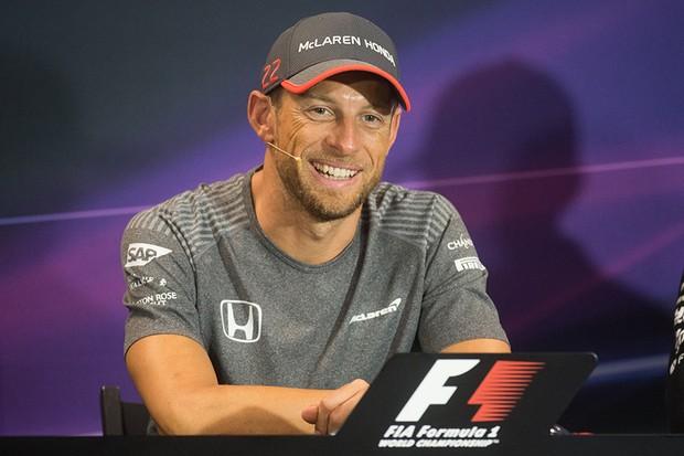 Jenson Button volta à Fórmula 1 no GP de Mônaco (Foto: BERTRAND LANGLOIS / AFP)
