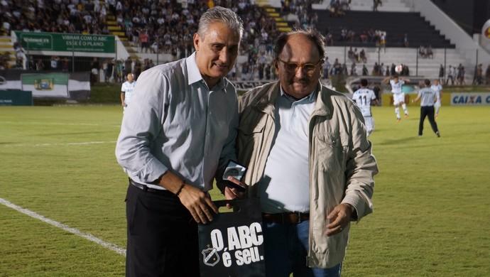 Tite - José VAnildo - ABC x Corinthians (Foto: Augusto Gomes/GloboEsporte.com)