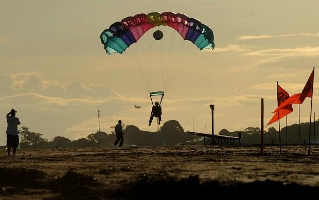 Paraquedismo jogos radicais Amazonas (Foto: Antônio Lima/Semdej)