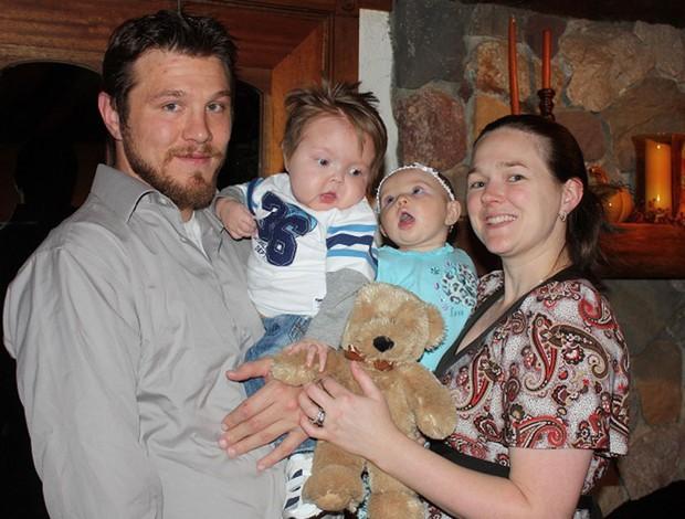 UFC - lutador Dan Miller com a família (Foto: Divulgação)
