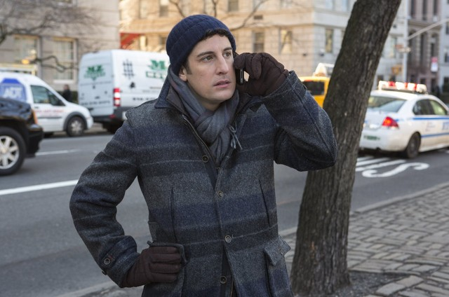 Jason Biggs em cena de 'Orange is the new black' (Foto: Reprodução)