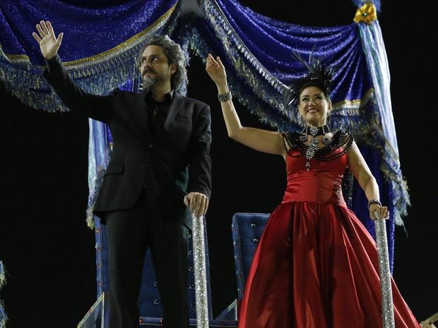 Alexandre Nero e Lilia Cabral gravam na Sapucaí, no Rio de Janeiro (Foto: Felipe Monteiro/Gshow)