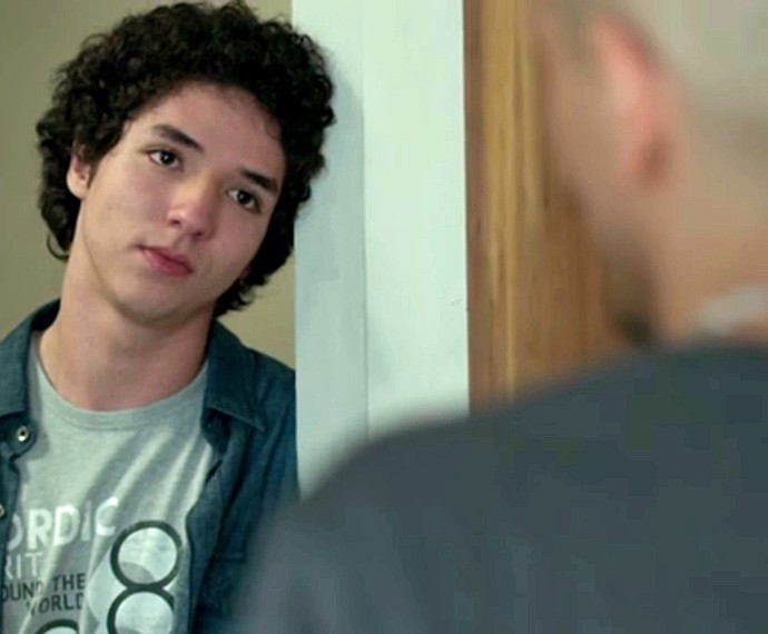 Após decepção amorosa com Stephanie, Bruno procura Sam (Foto: TV Globo)