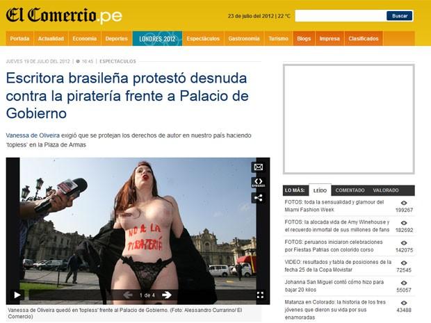 A escritora brasileira Vanessa de Oliveira faz protesto contra a pirataria de seus livros em Lima, no Peru (Foto: Reprodução/El Comercio.pe)