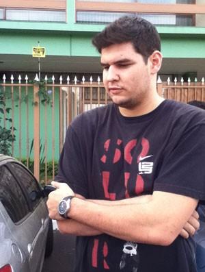 André Borges,  reúne para mandar 'forças' ao jogador atingido por tabela (Foto: Fabio Marques / Globoesporte.com)