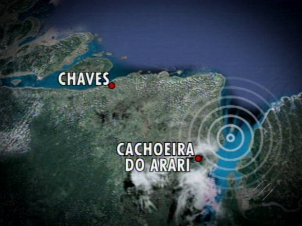 Barco naufragou no Rio Arari, no Marajó. (Foto: Reprodução/ TV Liberal)