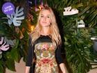 Look do dia: Fiorella Mattheis aposta em vestido coladíssimo em evento