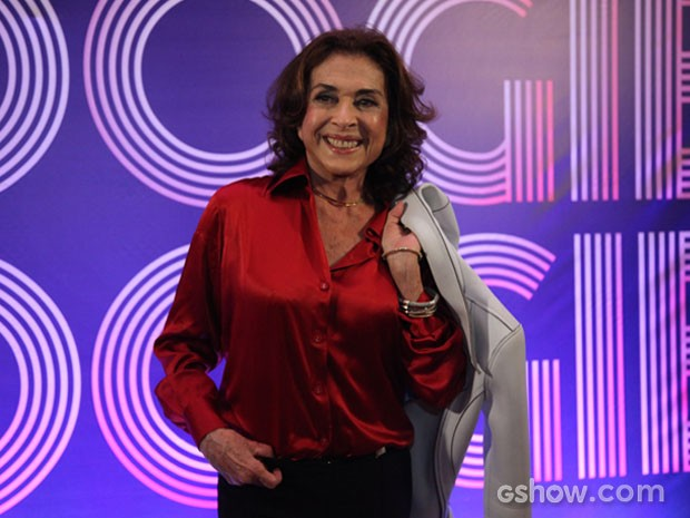 Betty Faria esbanja simpatia em coletiva de Boogie Oogie (Foto: Camila Camacho/TV Globo)