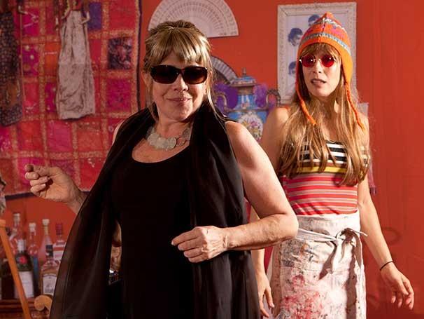 Tânia Bondezan e Daniela Galli em cena da peça 'Ciranda' (Foto: João Caldas)