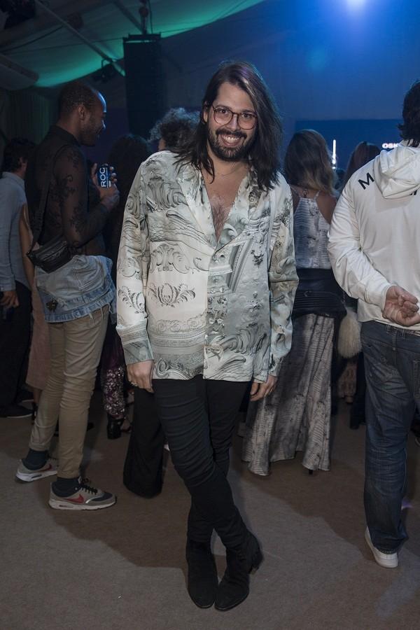 O estilista Thomaz Azulay também marcou presença no evento (Foto: Divulgação)
