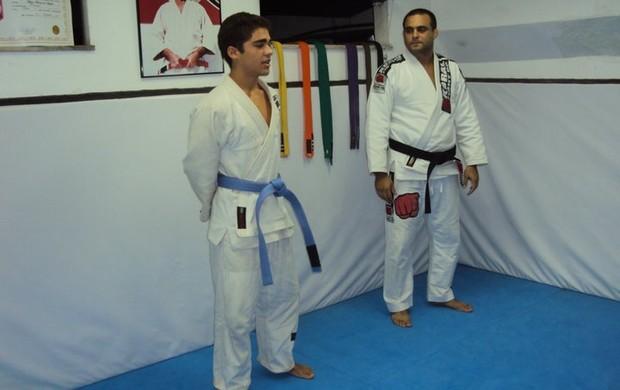 O árbitro e professor Muzio de Angelis, em sua academia particular no Rio de Janeiro (Foto: Reprodução / Facebook)