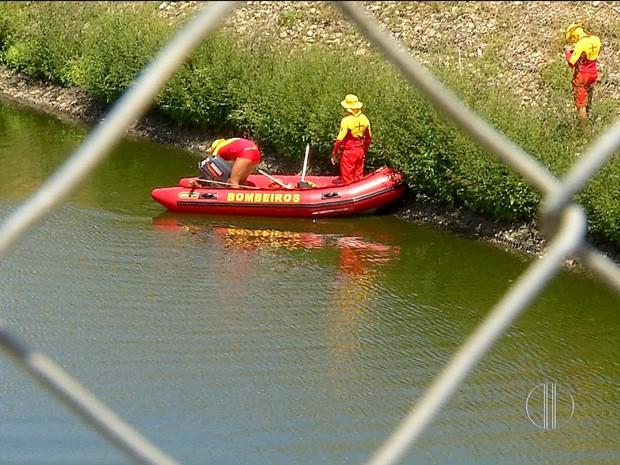 Homem de 28 anos teria se afogado em lagoa de captação na Avenida Abel Cabral, em Parnamirim (Foto: Reprodução/Inter TV Cabugi)