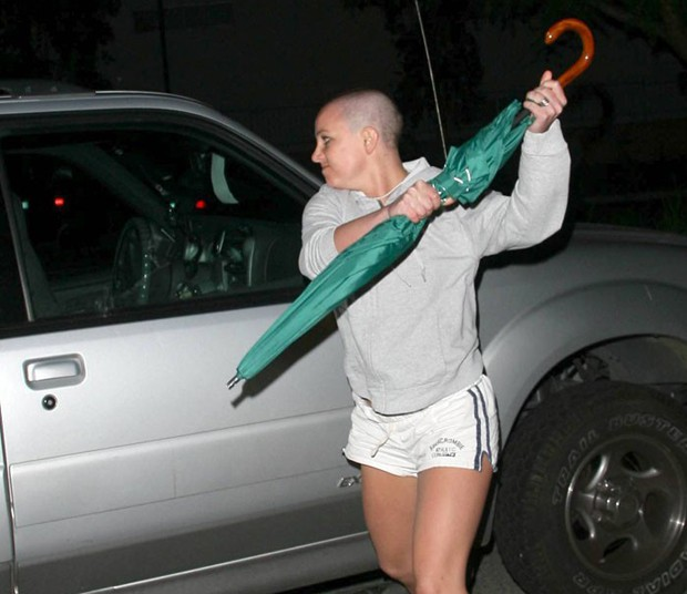 britney-spears-umbrella-3-compressed.jpg
