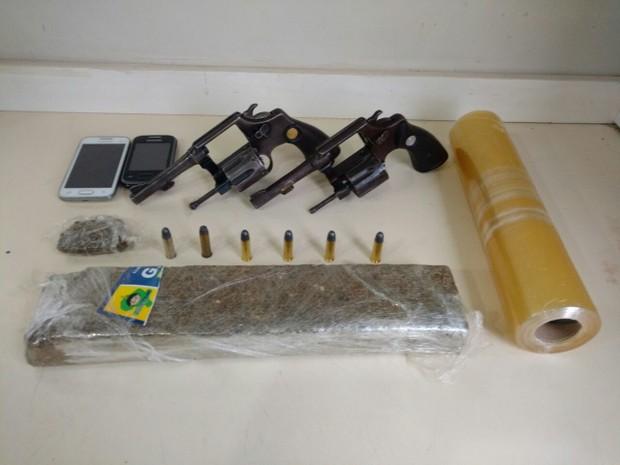 Materiais apreendidos por suspeita de receptação (Foto: Polícia Militar/Uberlândia)