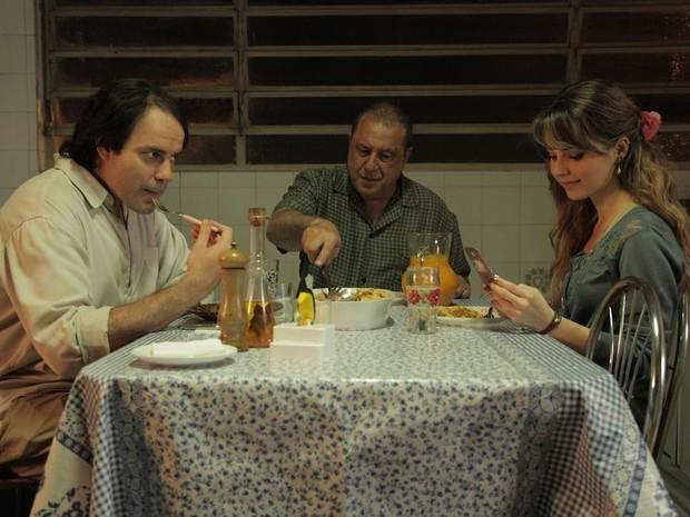 Marat Descartes, Antonio Fagundes e Sandy Leah. (Foto: Reprodução/Facebook)