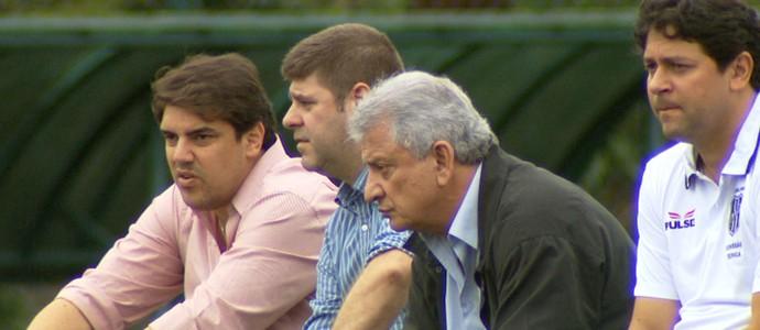 Diretoria da Ponte acompanha jogo-treino (Foto: Carlos Velardi/ EPTV)