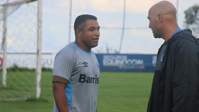 Roger Machado Rogério Godoy Grêmio técnico (Foto: Eduardo Moura/GloboEsporte.com)