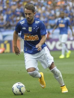 Éverton Ribeiro e Dátolo - Cruzeiro x Atlético-MG (Foto: Gualter Naves/Light Press)