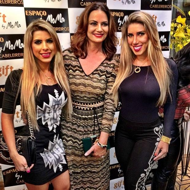 Luiza Brunet (centro) com Tati e Ana Paula Minerato (Foto: Reprodução/Instagram)