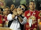Segundo dia de desfiles da Série A do Rio tem Psy, musas e barriguinha