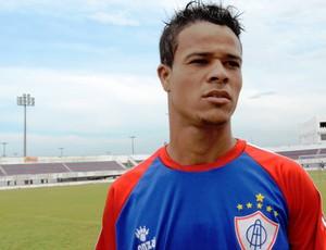 Júnior comemorou boa atuação pelo Itabaiana (Foto: Felipe Martins/GLOBOESPORTE.COM)