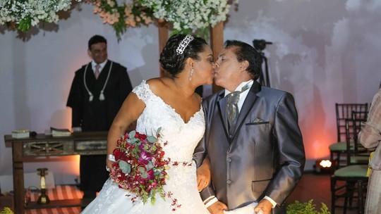 Recém-casada, ex-BBB Elis Nair já organiza segunda cerimônia: 'Gostei demais'