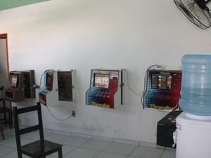 Polícia Militar apreende máquinas de jogos de azar em Petrolina (Foto: Taisa Alencar/G1)