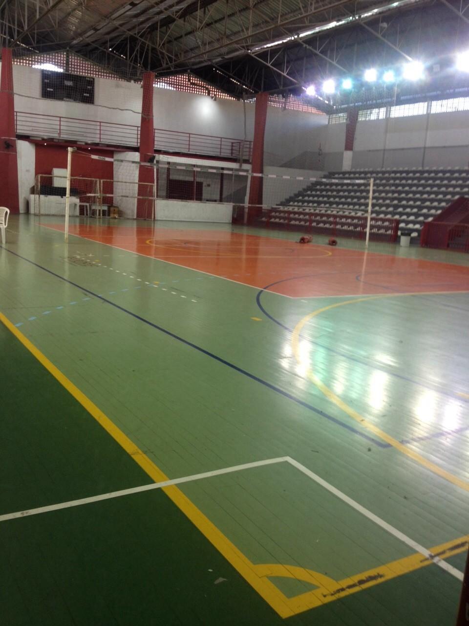 Estrutura foi tirada do ginásio Capoeirão (Foto: Secretaria Municipal de Assistência Social/Divulgação)