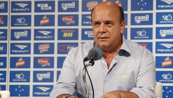 Valdir Barbosa, gerente de futebol do Cruzeiro (Foto: Washington Alves/Light Press)