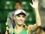 Wozniacki bate Radwanska de virada e luta pelo 1º título do ano em Tóquio