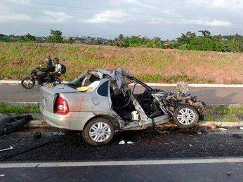 Quatro pessoas da mesma família morreram no acidente na BR 235 em Socorro (SE) (Foto: Reprodução/Portal Lagartense)