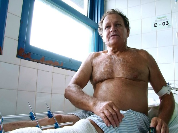 Após cair no poço, idoso foi atingido por laje na cabeça e perna (Foto: Rede Amazônica/ Reprodução)