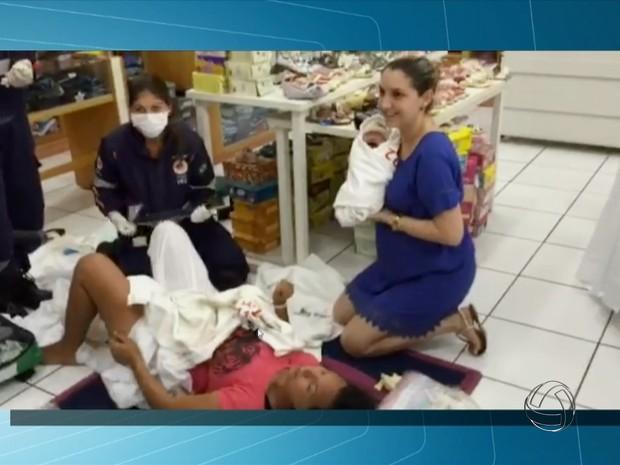 Mulher dá à luz dentro de loja de produtos infantis em Campo Grande (Foto: Reprodução/TV Morena)