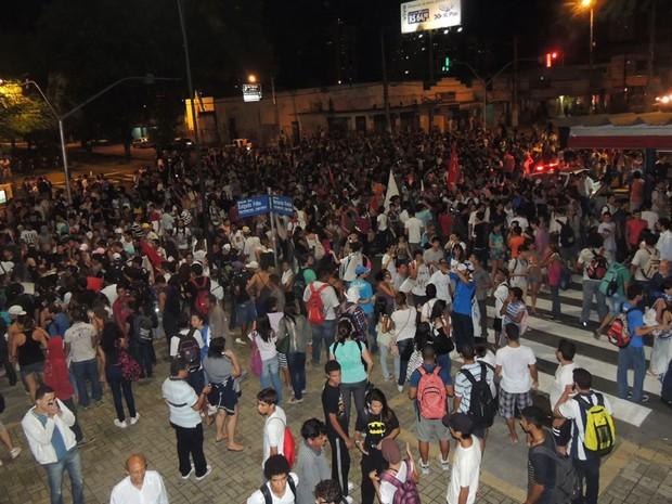 Protesto do movimento Revolta do Busão (Foto: Felipe Gibson/G1)