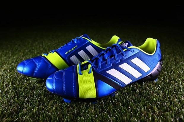 819cfe5b33c4a Adidas apresenta chuteira que será usada por jogadores da Europa ...