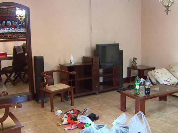 Desordem da casa chamou a atenção do dono que procurou a polícia em Ribeirão Preto, SP (Foto: Reprodução/EPTV)