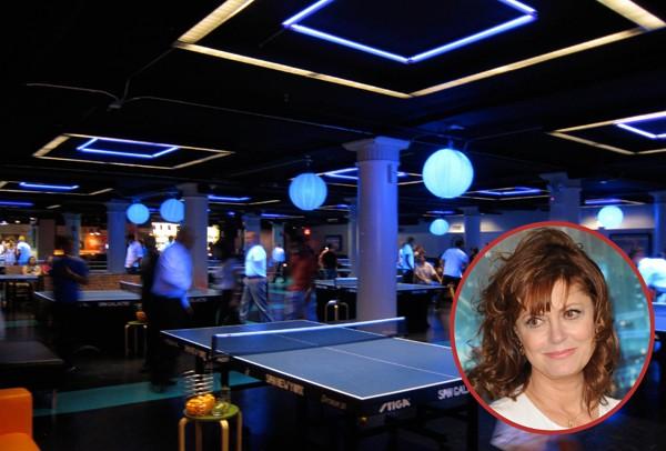 Susan Sarandon gosta tanto de ping-pong que abriu um bar dedicado ao esporte em Nova York, chamado Spin (Foto: Getty Images / Reprodução)