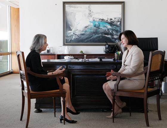 A presidente do Supremo,Cármen Lúcia,com a nova procuradora-geral,Rquel Dodge a primeira mulher no cargo (Foto: Agência STF)