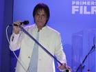 Roberto Carlos lança novo CD em grande estilo cantando em espanhol