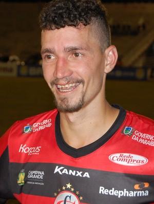 Danilo, lateral-esquerdo do Campinense (Foto: Silas Batista / GloboEsporte.com)