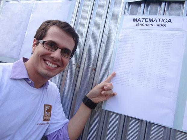 Rodrigo Mendes, 25 anos, comemora vaga em matemática; nota valeu primeiro lugar geral da UFPE. (Foto: Luna Markman/G1)