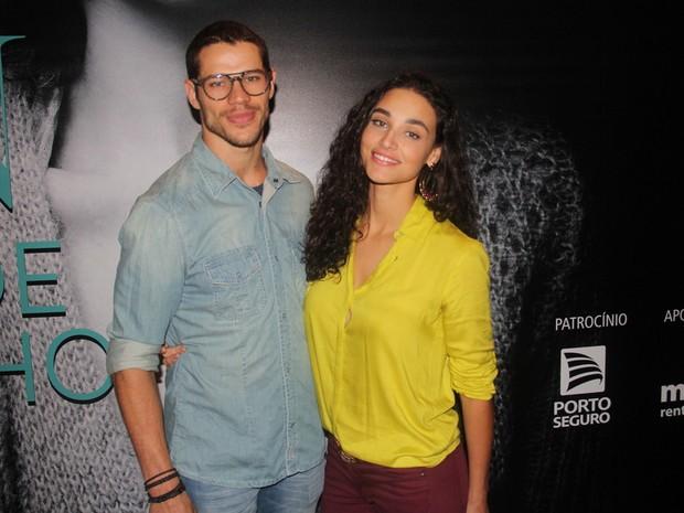 José Loreto e Débora Nascimento em peça na Zona Sul do Rio (Foto: Anderson Borde/ Ag. News)