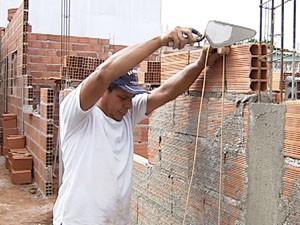 Trabalhadores optam pelo serviço autônomo por causa do salário. (Foto: Reprodução/ Tv Integração)