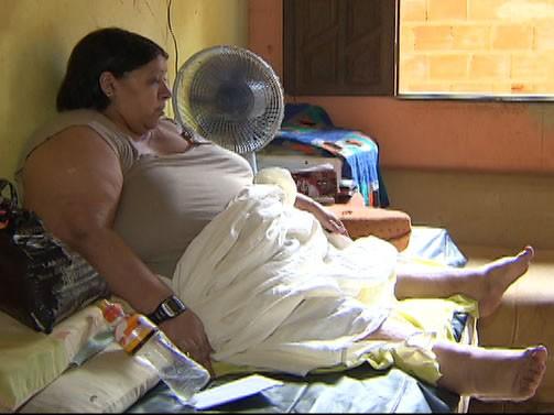 Moradora diz que não sai de casa há dois anos (Foto: Reprodução/ TV Bahia)