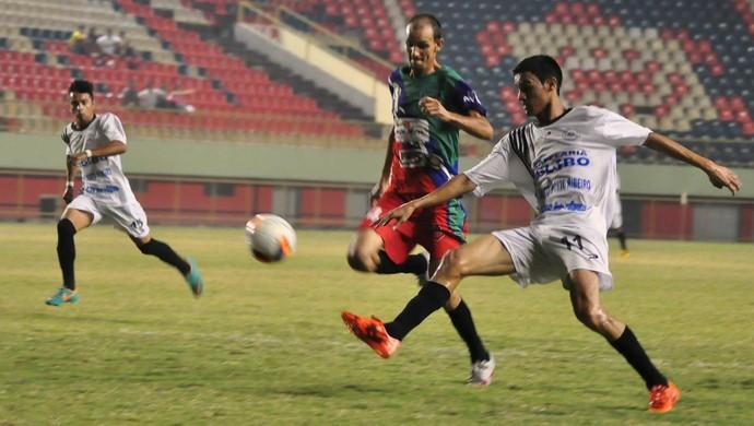 Atacante Paulo Junior marcou 7 gols na Segundona, em sua estreia no futebol profissional (Foto: Manoel Façanha/arquivo pessoal)