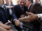 Egípcios enfrentam filas para votar em eleição presidencial