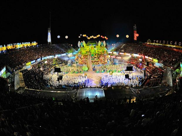 Bumbódromo de Parintins em noite de festival (Foto: Alex Pazuello/Agecom)