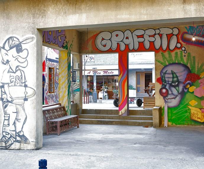 Cenário da nova 'Malhação' conta com dois colégios, ruas lojas e parque de skate (Foto: Ellen Soares / Gshow)